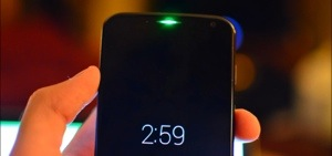 Moto X has gorgeous Green LED hidden under earpiece