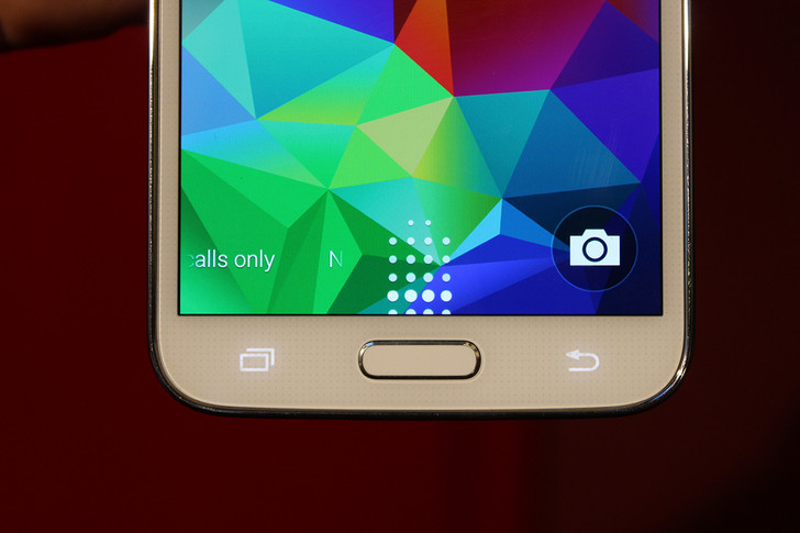 Samsung Galaxy S5 finger print hacked, can be spoofed with fake finger
