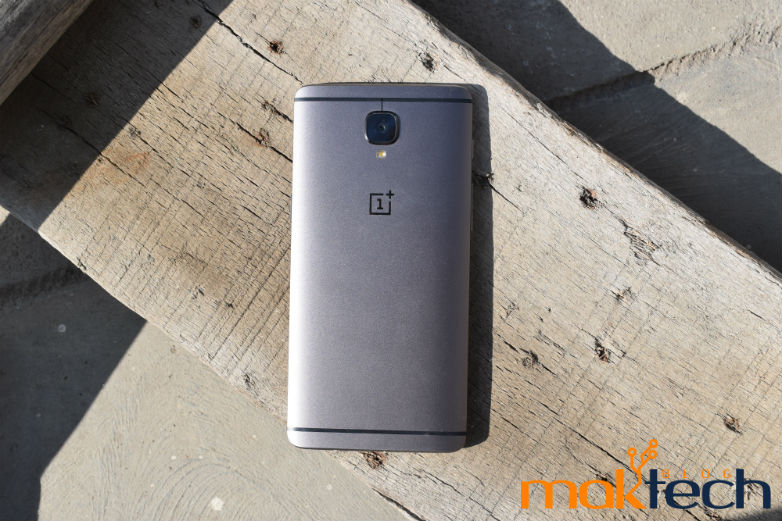OnePlus 3T Receiving a New Oxygen OS 4.0.3 Update; Brings Several Security Fixes and Amazon Prime Video Preinstalled!